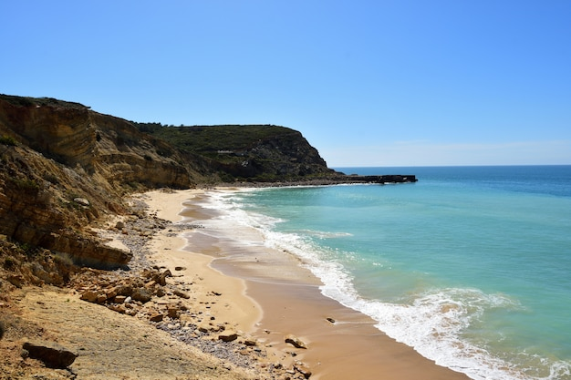 Het strand van cabanas velhas, algarve, portugal