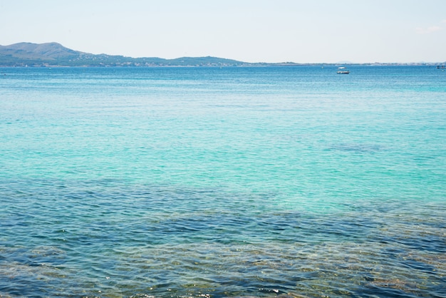 Het strand van de middellandse zee, spanje, palma de mallorca