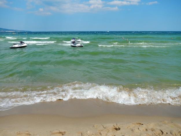 Het strand van sunny beach, slanchev bryag, zwarte zeekust, bulgarije