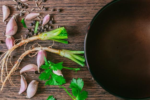 Het thaise ingrediënt van het voedselkruid met copyspace, hoogste mening