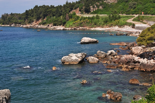Het uitzicht op de adriatische kust, montenegro