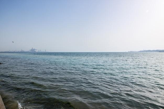 Het uitzicht op de rode zee, jeddah, saoedi-arabië