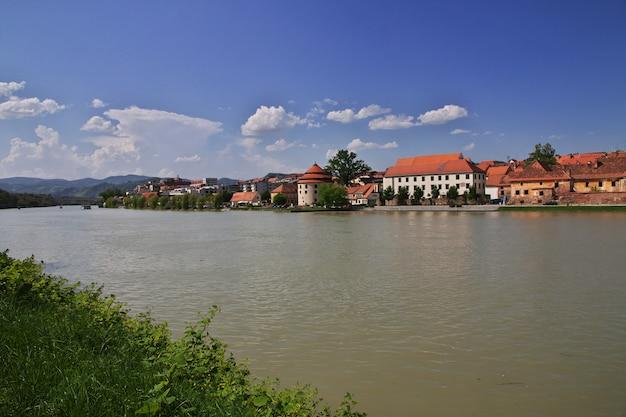 Het uitzicht op de vastentijd, het oudste centrum van maribor, slovenië