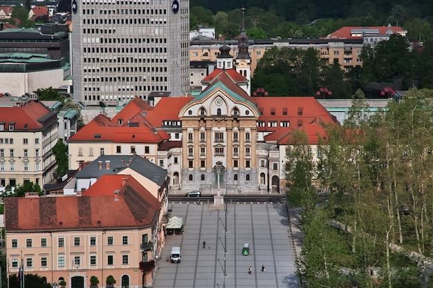 Het uitzicht op het centrum van ljubljana in slovenië