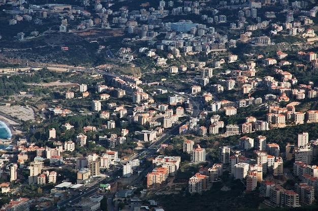Het uitzicht op jounieh, libanon