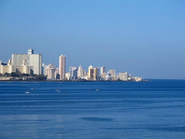 Het uitzicht op oud havana, cuba