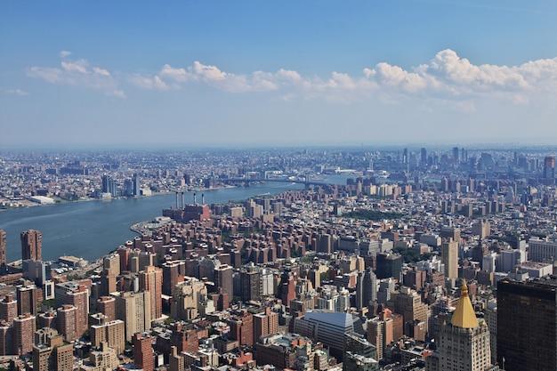 Het uitzicht vanaf empire state building in new york, verenigde staten