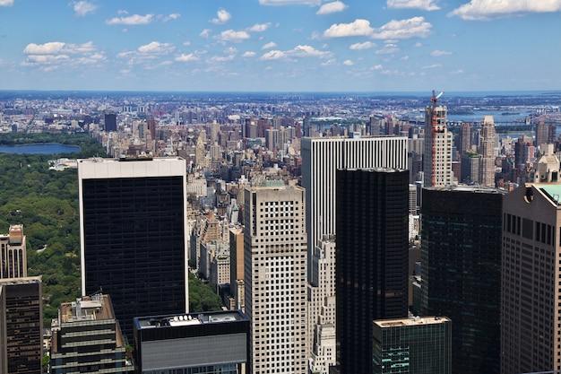 Het uitzicht vanaf het rockefeller-centrum in de stad new york, verenigde staten