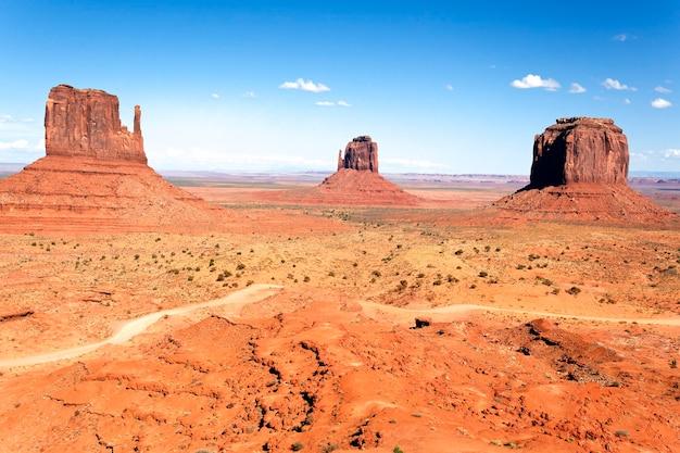 Het unieke landschap van monument valley, utah, vs.
