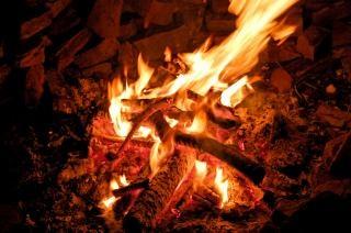 Het verbranden van hout oranje