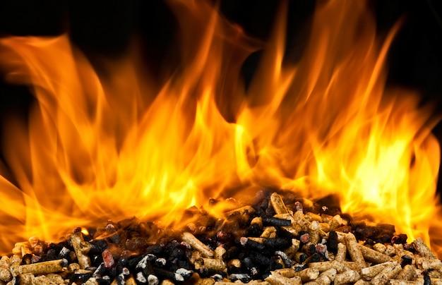 Het verbranden van houtpellets