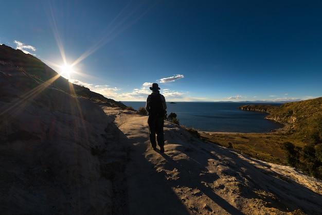 Het verkennen van het eiland van de zon, het titicacameer, bolivia