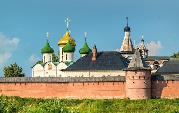 Het verlosserklooster van st. euthymius in soezdal, een unesco-werelderfgoed in rusland