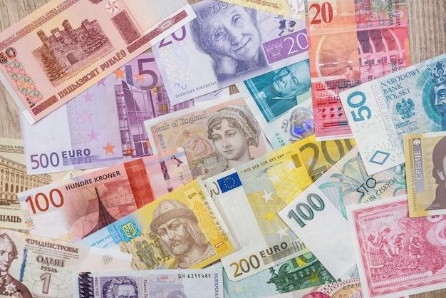 Het verschillende land van geldeuropa als achtergrond