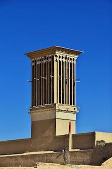 Het vinatge-gebouw in de oude stad yazd iran