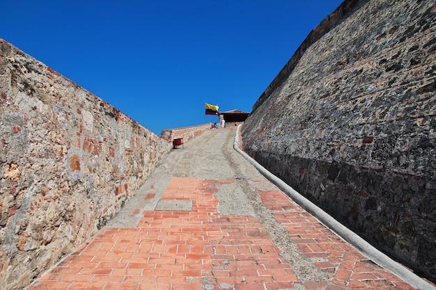Het vintage fort castillo de san felipe in cartagena, colombia