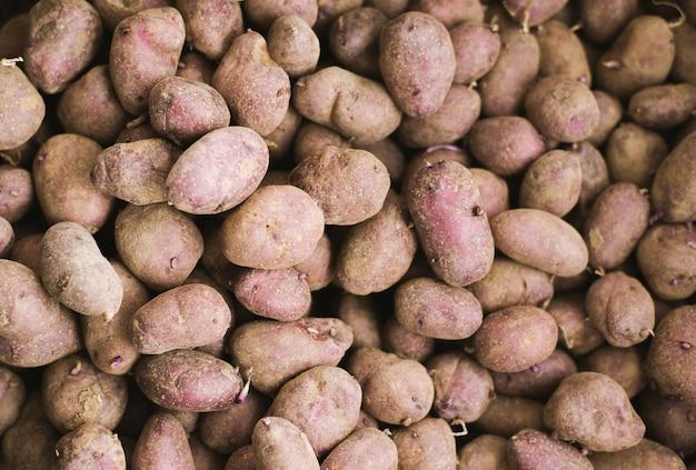 Het voedselpatroon van aardappelen rauwe groenten in markt