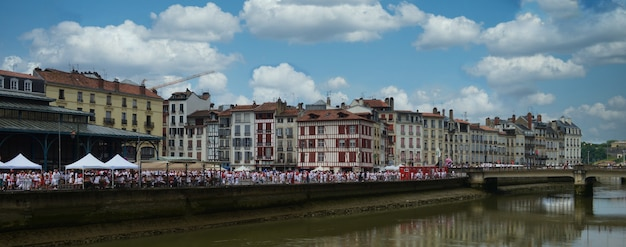 Het zomerfestival (fetes de bayonne), in bayonne