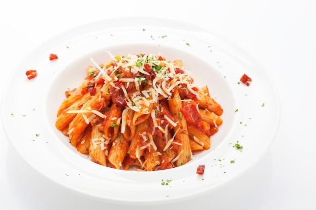 Hete en pittige rode saus penne pasta