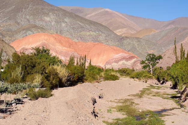 Heuvel van zeven kleuren in salta, argentinië.