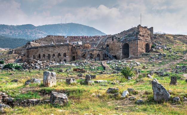 Hierapolis oud theater in pamukkale, turkije