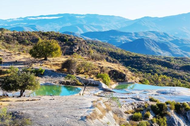 Hierve el agua, natuurlijke warmwaterbronnen in de mexicaanse staat oaxaca