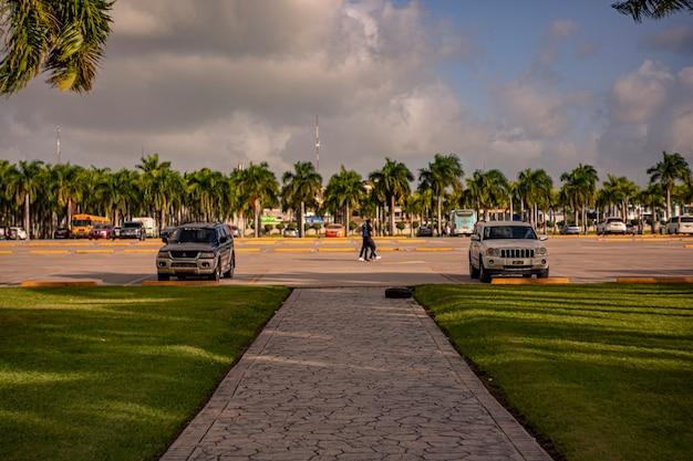 Higuey, dominicaanse republiek 12 januari 2020: dagelijks leven in de straten van higuey in de dominicaanse republiek