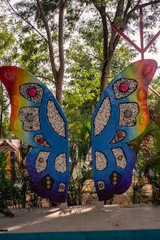 Higuey, dominicaanse republiek 12 januari 2020: vlindermonument in higuey, dominicaanse republiek
