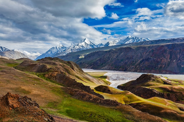 Himalaya landschap in de himalaya, himachal pradesh, india