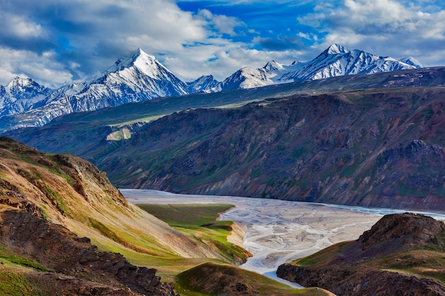 Himalaya landschap in de himalaya, india