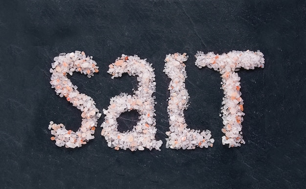 Himalaya rozenzout - het woord zout is geschreven