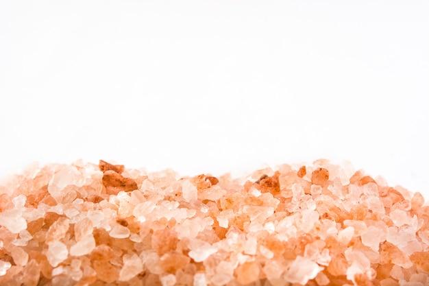Himalayazout dat op witte exemplaarruimte wordt geïsoleerd