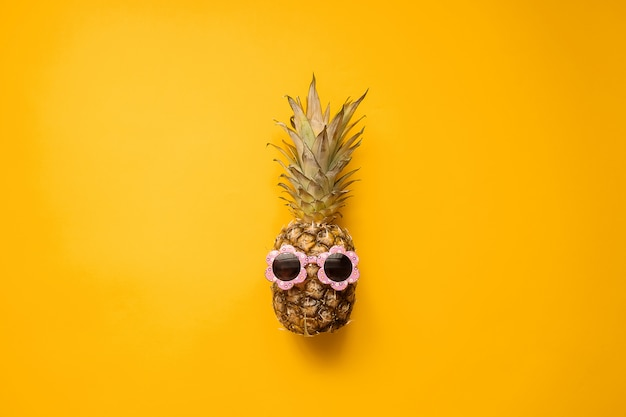 Hipster ananas mode in zonnebril