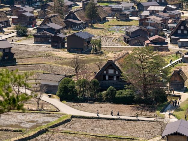 Historisch dorp van shirakawa-ga in de lente, japan