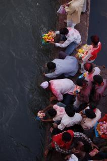 Hoe onderdompeling van Lord Ganesha te doen