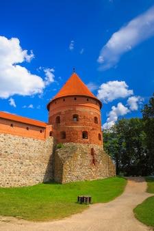Hoektoren van het trakai island castle