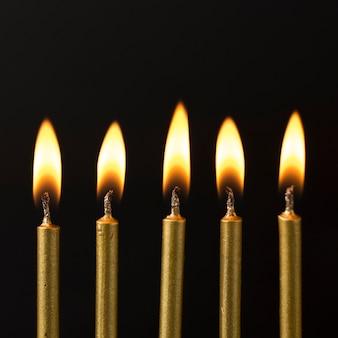 Hoge hoek gestookte kaarsen