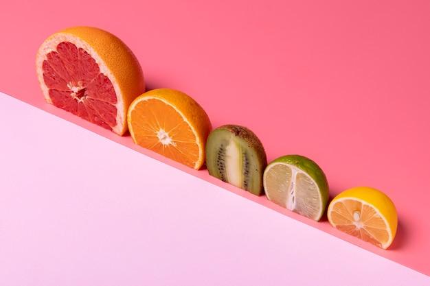 Hoge hoek heerlijke citrus arrangement
