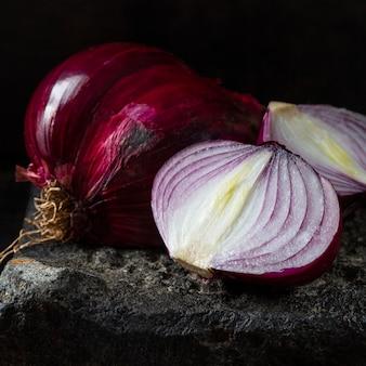 Hoge hoek heerlijke rode uien