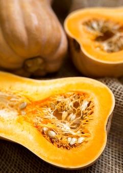 Hoge hoek herfst pompoenen regeling