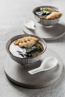 Hoge hoek japanse maaltijd