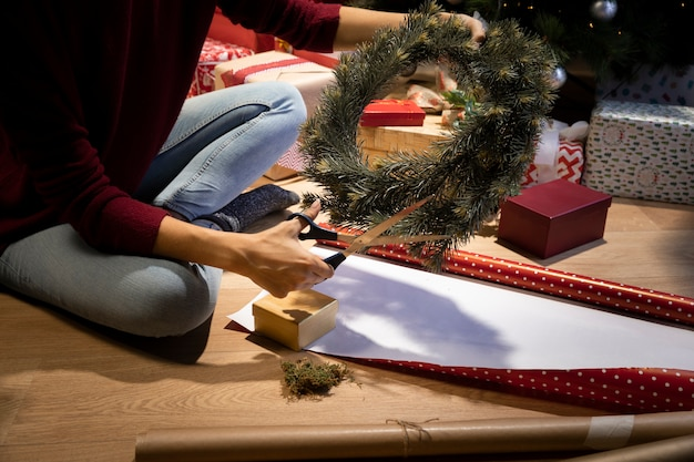 Hoge hoek kerstmis decoreren tijd Gratis Foto