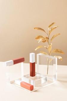 Hoge hoek make-up concept met lipsticks