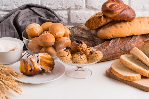 Hoge hoek mix van brood