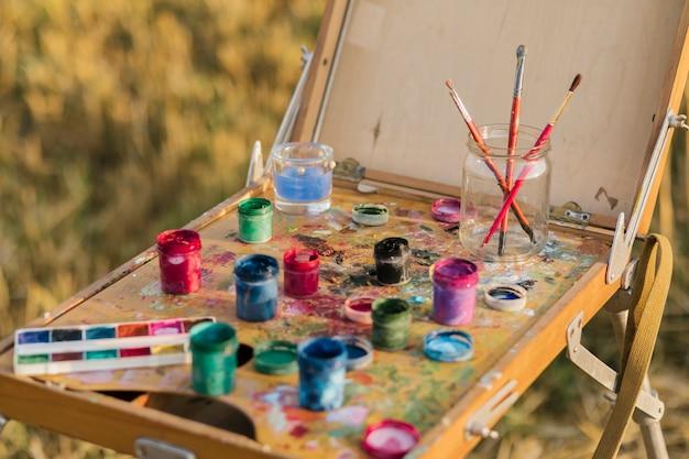 Hoge hoek set schilderij elementen