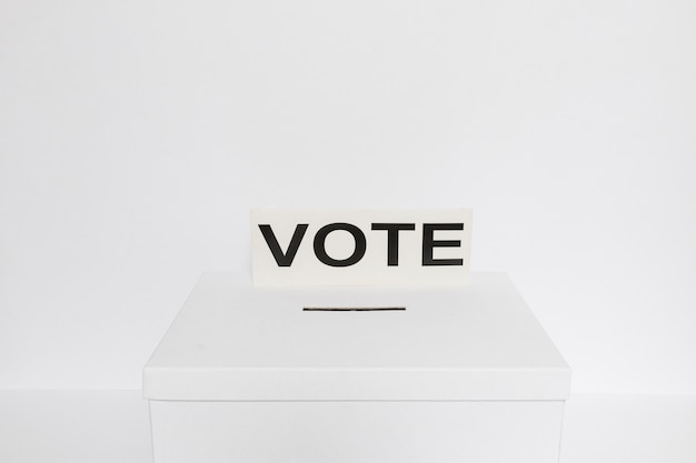Hoge hoek van de verkiezingen concept met kopie ruimte