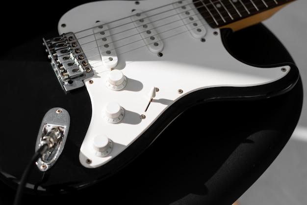 Hoge hoek van elektrische gitaar