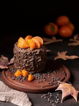 Hoge hoek van heerlijk chocoladetaartconcept