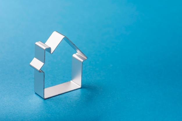 Hoge hoek van huis vorm met kopie ruimte