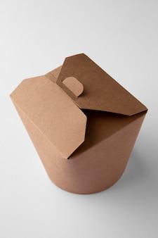 Hoge hoek van papieren doosverpakkingen voor voedsel
